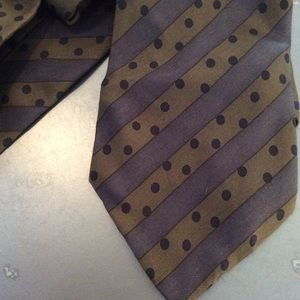 Hugo Boss earth tone silk tie